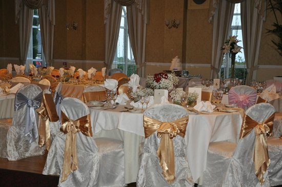 Summerhill House Hotel: Ballroom set for a wedding