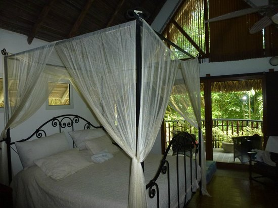 Casa Guardia Panama : Our room with private balcony and jacuzzi
