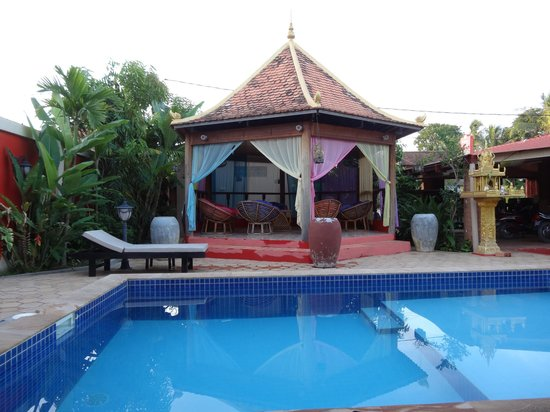Sun Sothy Guesthouse: pool house