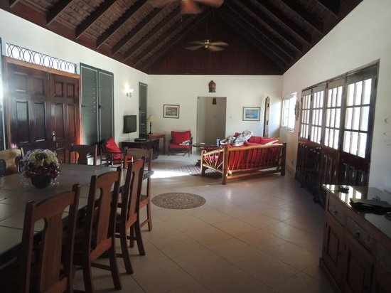 White Sands Negril: The villa is a great space for groups.