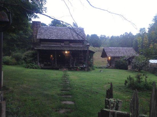 Twin Falls Lodge : Twin Falls: Pioneer Farm 2