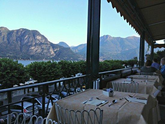 Hotel Du Lac: breakfast view.