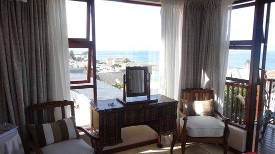 Kalk Bay Guest House: guest room