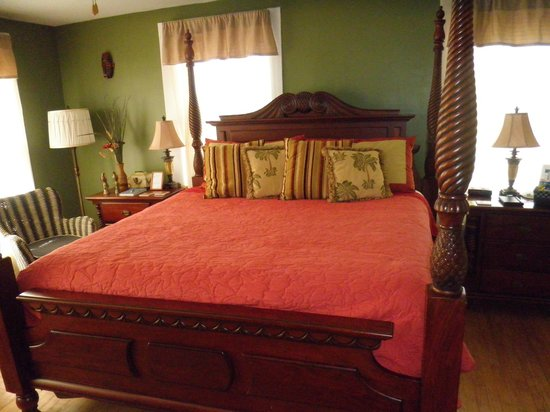 August Seven Inn Luxury Bed and Breakfast: The 819