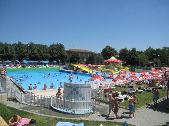 Brebbia, Italia: vasca onde