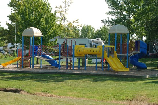 Indian Creek RV and Camping Resort: Playground