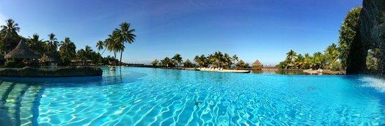 the Tiaré pool