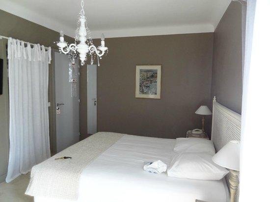 Le Relais Des Chartreuses: la chambre