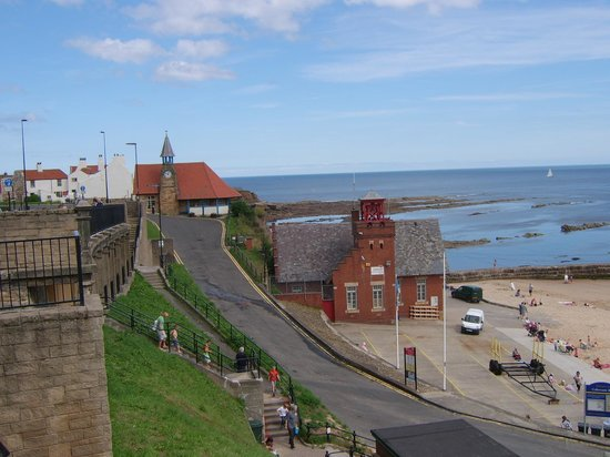 Cullercoats Beach: Lifeboat station & clock tower