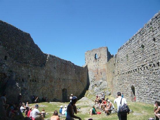Chateau de Montsegur: Patio del castillo