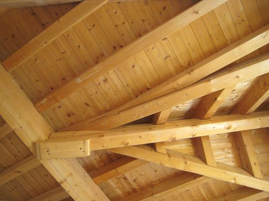 Hotel Bundnerhof: Le complesse travature del soffitto