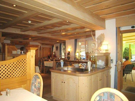 Hotel Bundnerhof: L'angolo della prima colazione a buffet