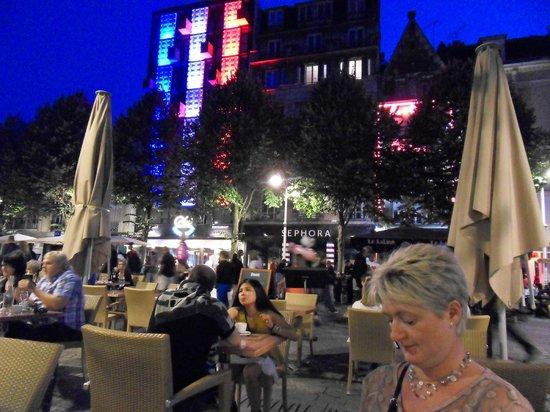 Holiday Inn Reims Centre: Bastille lighting celebrations