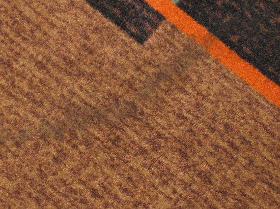 La Quinta Inn & Suites Hot Springs: Stained carpet in hallway