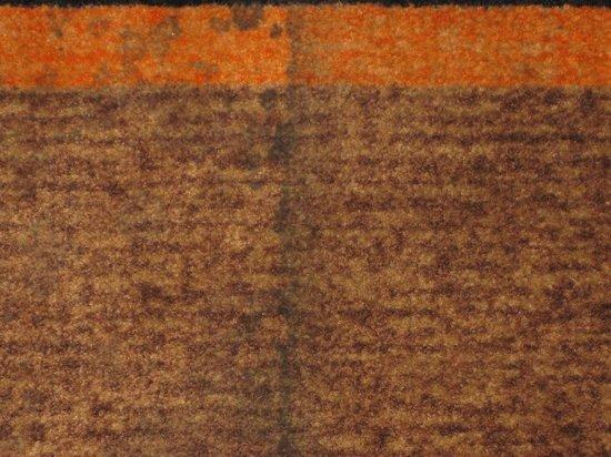La Quinta Inn & Suites Hot Springs: More stained carpet in hallway