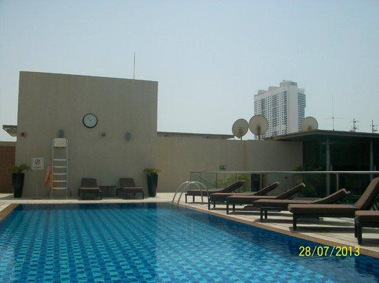 Centro Barsha: Pool