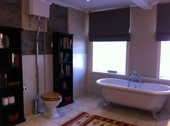 The William Cecil at Stamford: A view of the bathroom - the shower is to the left, out of the picture