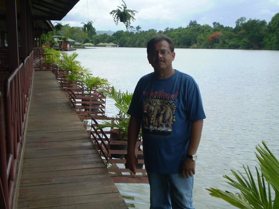 Duenshine Resort: On the River Front in my Room.
