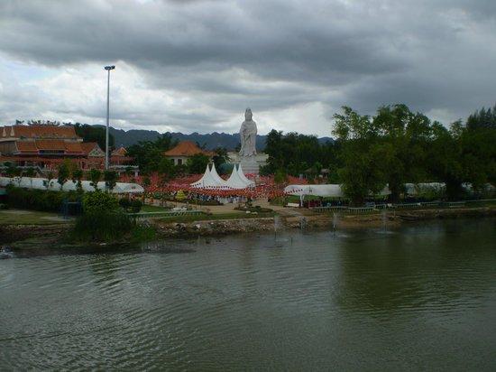 Duenshine Resort: A view fro the Bridge on the River Kawai