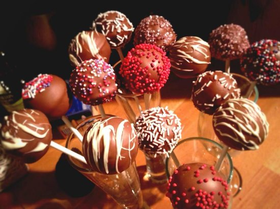 The Hunmanby Pantry: Cake pops available to order for any occasion
