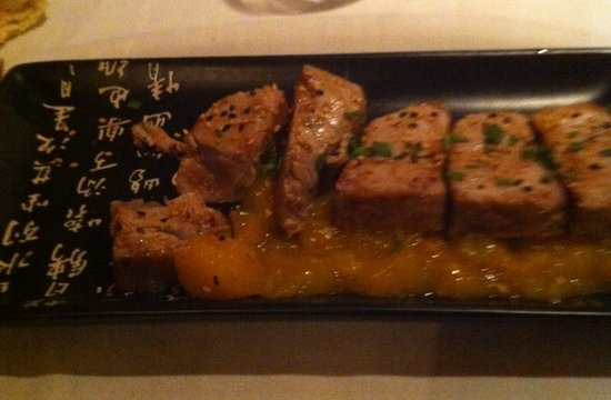 Restaurant La Salsa: Tuna-just as it should be prepered,slightly raw in the middle