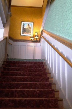 The Historic Occidental Hotel Museum : Staircase