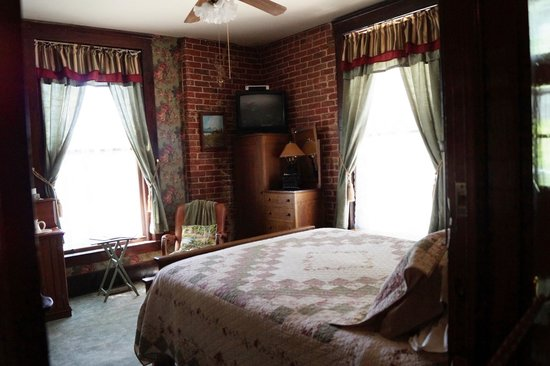 The Historic Occidental Hotel Museum : Room
