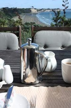 Torbay, New Zealand: Breakfast on the Terrace
