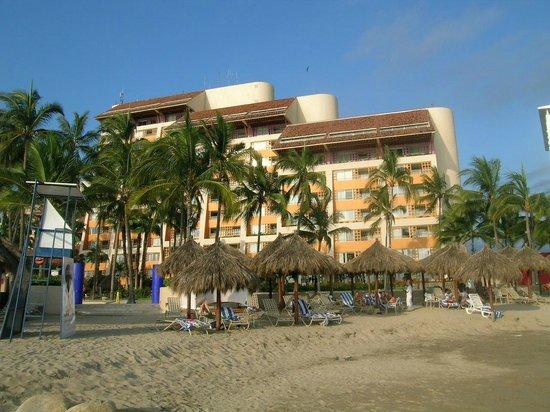 Club Regina Puerto Vallarta: General view of the resort from the ocean