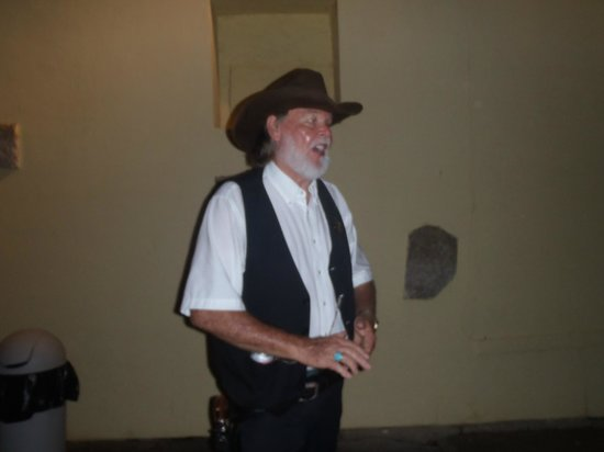 Sheriffs Ghost Walk Tours: Speaking the history and the spooks