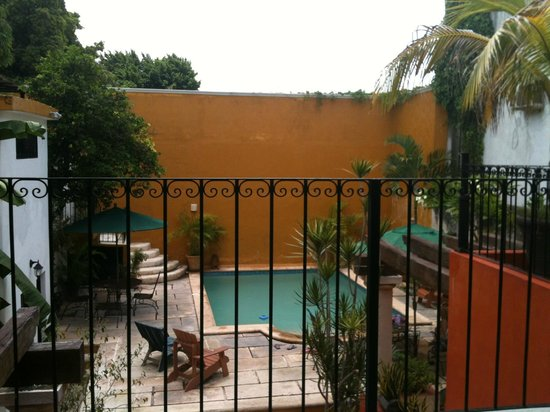 Luz En Yucatan: View from our room to the pool area
