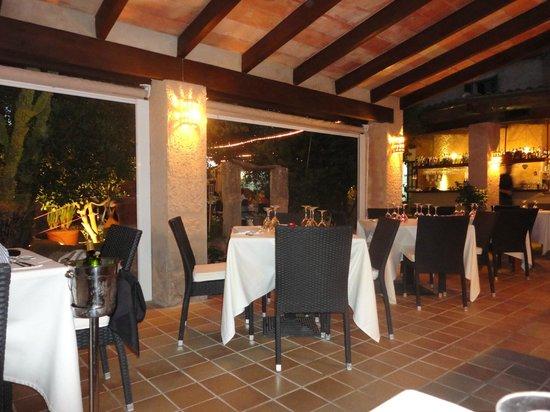 Es Clos Restaurant: Zone intérieure