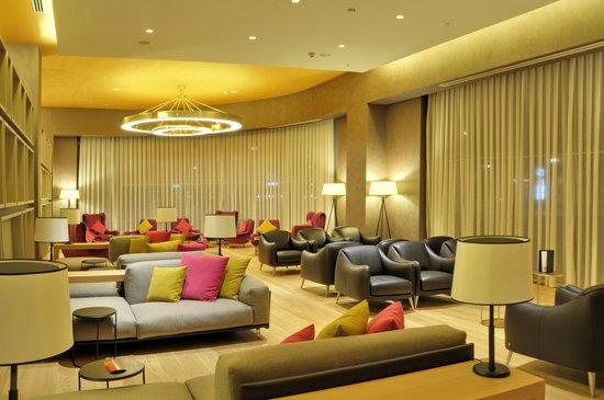 Ommer Hotel: reception