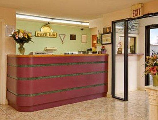 Days Inn Demopolis: Lobby