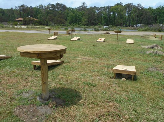 Gwynn's Island RV Resort and Campground: Enjoy cornhole and other amenities in the campground