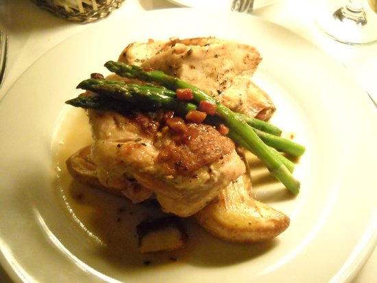Belfry Bistro: Bistro Statler Chicken Breast - simply delicious!