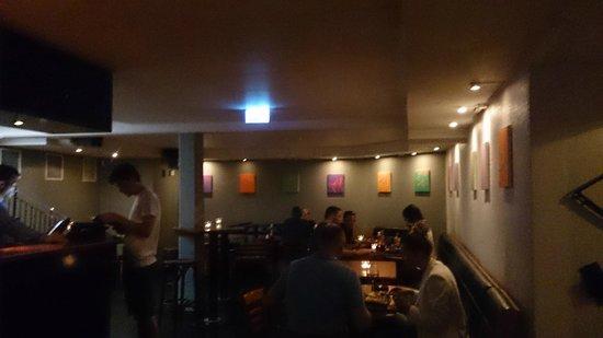 Naboen: Basement pub