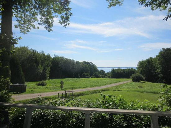 Lincolnville Motel: From the deck of Cottage #4