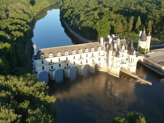 Amboise Montgolfière Balloon Revolution : Château de Chenonceau from the air... Magical.