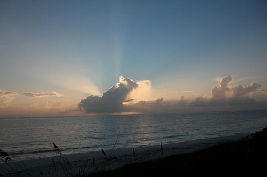 St Francis Resort: Sonnenaufgang über dem Ozean (Blick vom Zimmer)