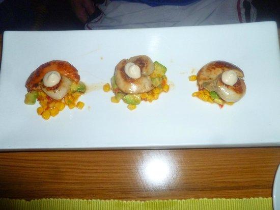 Casmar Restaurant and Bar: Scallops