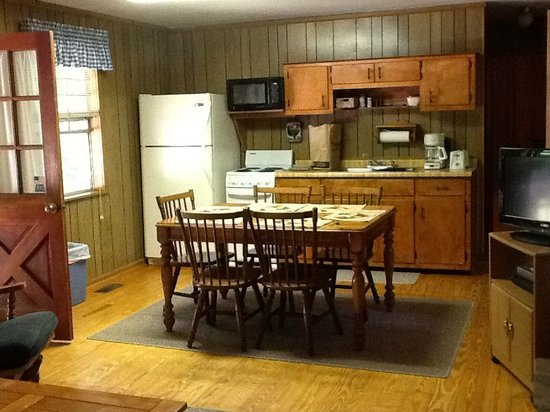 Trackrock Campground and Cabins : Open Living room, dining room, kitchenette area that is fully equipped