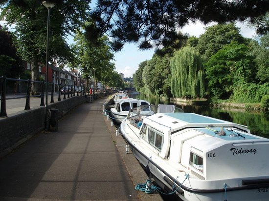 Riverside Walk: Boats staying at Riverside (next to Riverside Rd)