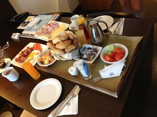 NH Wien City: Frühstück aufs zimmer