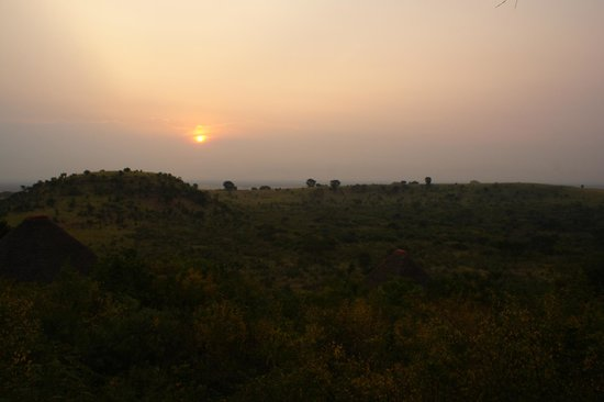 Kyambura Gorge Lodge: Sunset at Kyambura Lodge