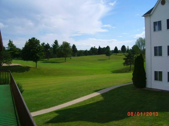 Lakeview Hills Golf Resort: View of the 18th hole of the South Course