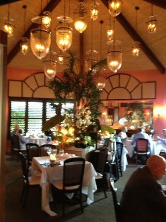 Maison Martinique Restaurant: One of the dining rooms