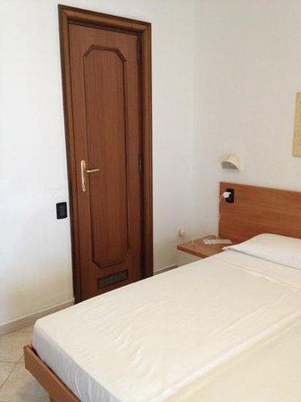 Al Saraceno Hotel: camera