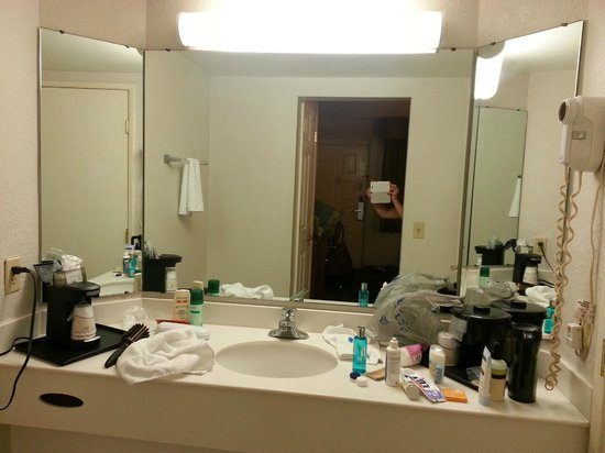 La Quinta Inn John Wayne Orange County Airport: Bathroom area