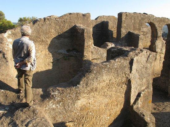 Iglesia Rupestre y Ruinas de Ciudad Umar ibn Hafsun (Ruinas de Bobastro)